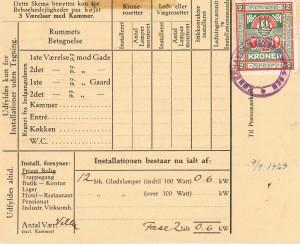 Installationskortets bagside med prøvningsafgiftsmærkerne: Type 1, værdi 1 krone og Type 2, værdi 2 kroner