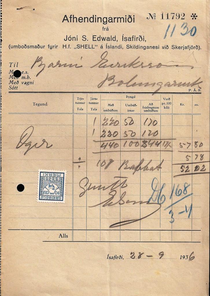 """Fig.3. På afhentningskvitteringen, (Afhendingarmiði) står tillige firmaets navn H.F. SHELL Á ÍSLANDI repræsenteret ved repræsentant Jóni S. Ewald, Ísafirði, (Isafjord). Også her figurerer det påsatte islandske """"Greiðslumerki"""" (afgiftsmærke). 10 Aur. 1935–41 perforeret med S.Á.Í., selv om det er svært at se på mærket, men det er der. (Se perfinbilledet i overstørrelse i Fig.2.)"""
